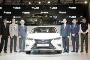 luxury brand Lexus
